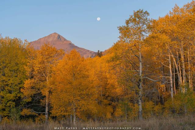 Autumn Moonset in Colorado (2020)