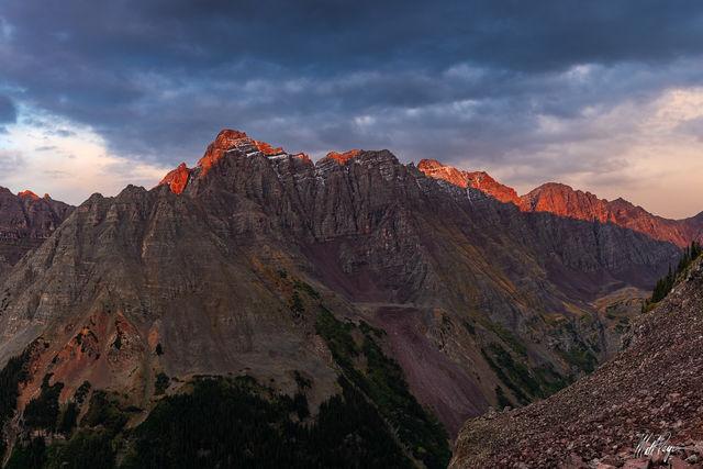 13ers, 14er, Alpenglow, Aspen, Centennial, Climbing, Colorado, Mountains, Fall, Landscape, Mountains, Pyramid Peak, Thunder Pyramid, sunset, snow, Maroon Bells, wilderness