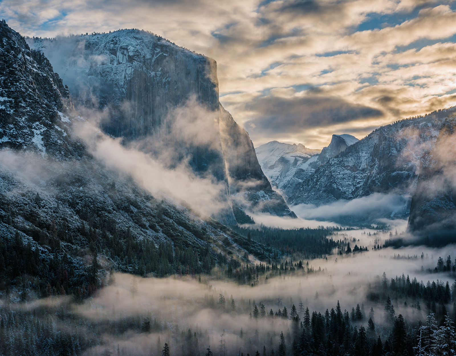 California, Yosemite, Yosemite Valley, Yosemite National Park, America, American West, west, landscape, icon, weather, snow, clouds, cold, cool, winter, fresh, morning, sunrise, storm, stormy, cloudy,, photo