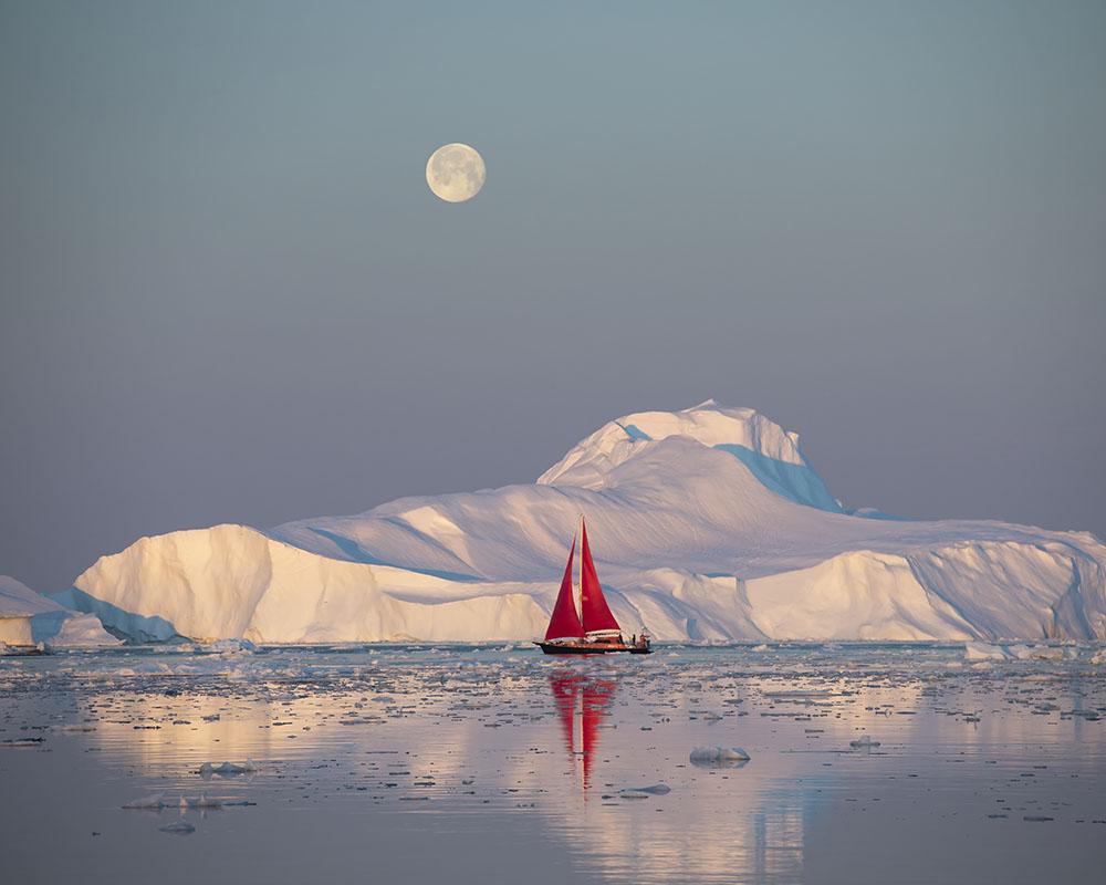 greenland, ilulissat, 2018, ilulissat icefjord, kangia icefjord, ice, iceberg, disko bay, dusk, twilight, eventide, icefjord, ship, sailboat, schooner, arctic exploration, northwest passage, navigatin, photo
