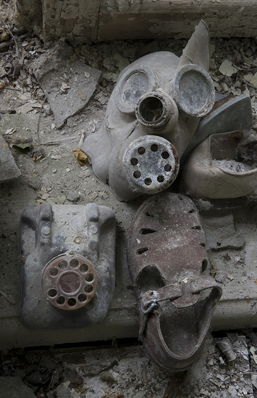 chernobyl, exclusion zone, ukraine, ussr, cccp, nuclear reactor, meltdown, decay, reclamation, abandoned, pripyat, keindergarten, toys, daycare, photo