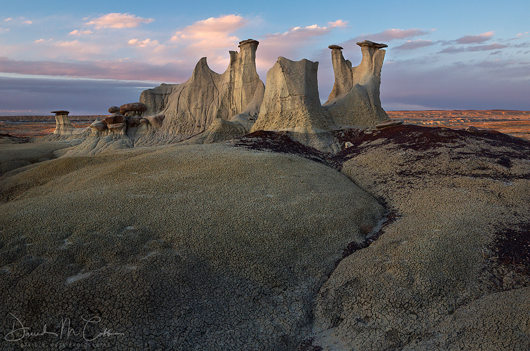 Hoodoos and badlands of Ah-Shi-Sle-Pah Wilderness Study Area in New Mexico. USA