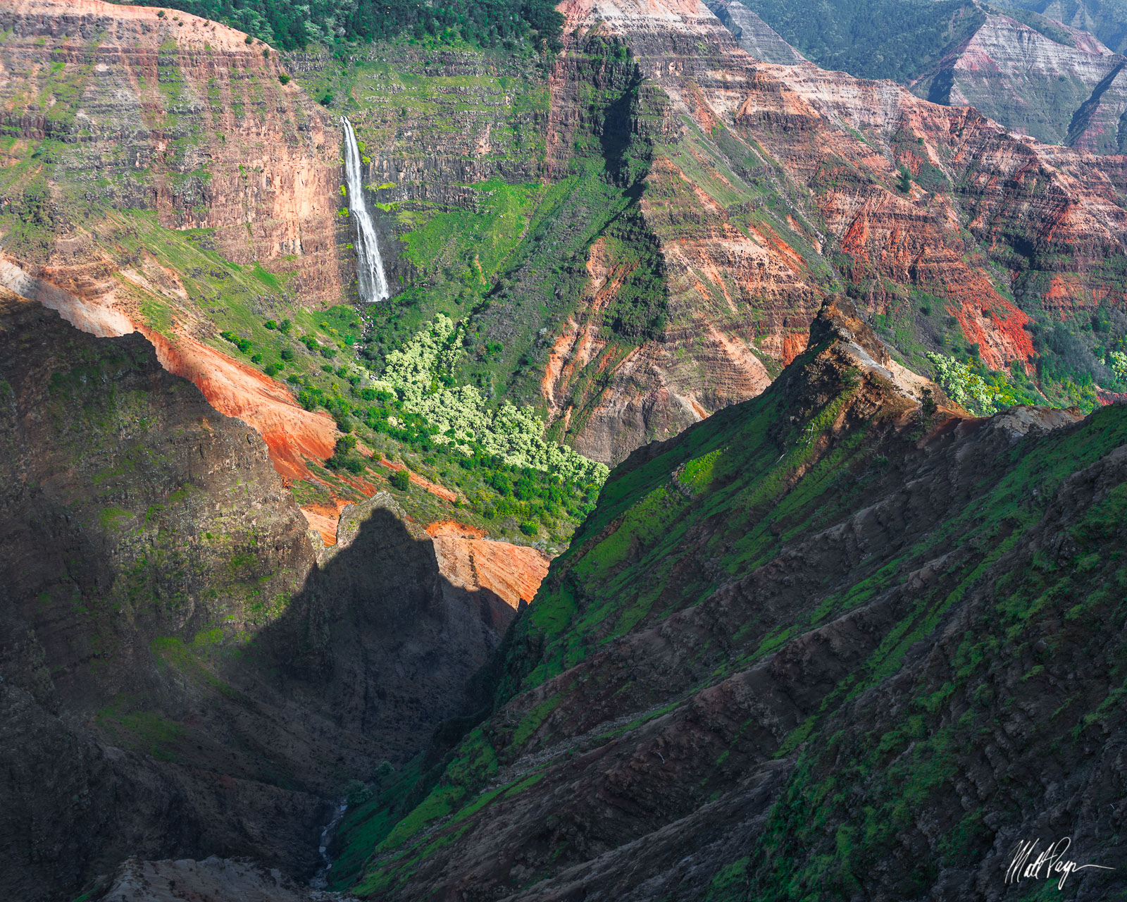 Hawaii, Kauai, Landscape, Waimea Canyon, Waipoo Falls, Waterfall, stunning, volcanic, rugged, green foliage, photo