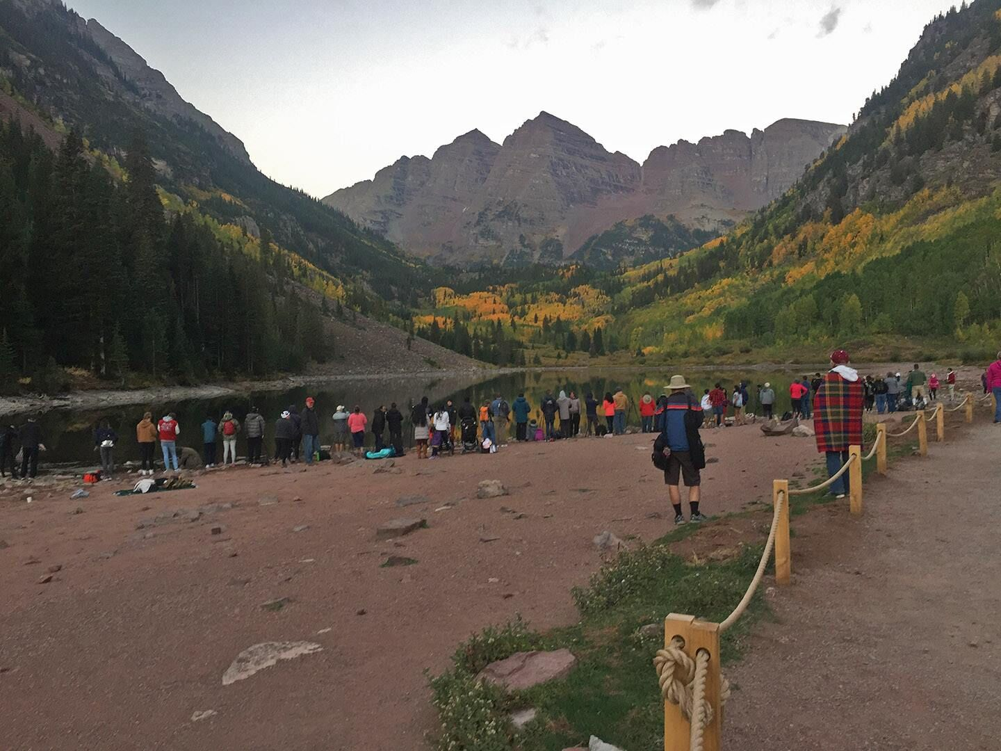 Maroon Bells shoreline - Fall 2018